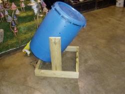 Compost tumbler