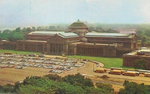 Museum of Science & Industry with parking lot (courtesy Chuckman)