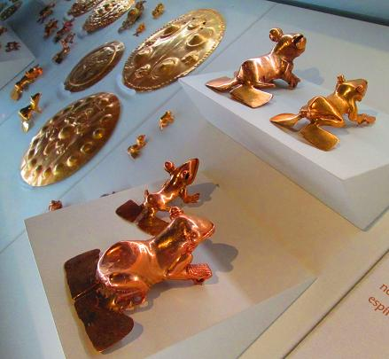 Golden tree frogs and breastplates